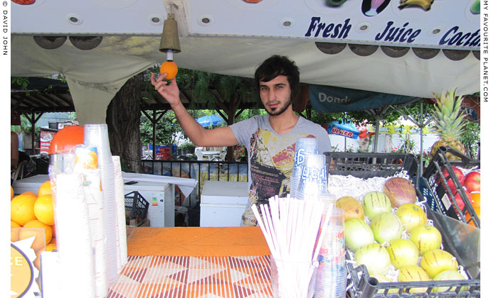 Fruit juice maker in Kusadasi, Turkey at The Cheshire Cat Blog