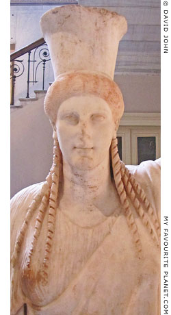 Archaistic caryatid wearing a calathus or polos