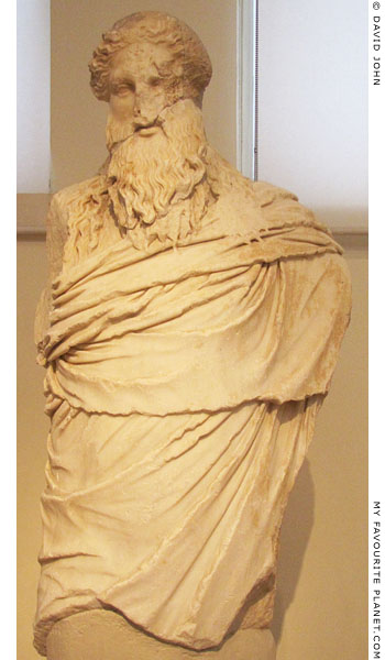 Marble statue of Dionysos-Sardanapalos type at My Favourite Planet